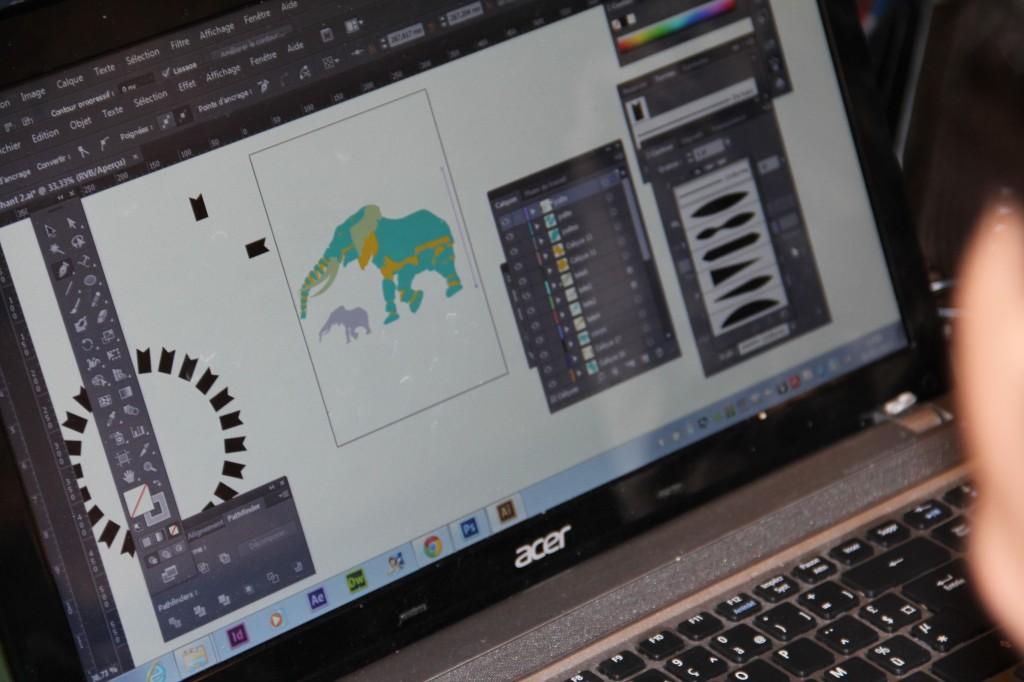 Les premières esquisses des étudiants en web design sur Illustrator, ici le groupe sur le poids de l'éléphant.