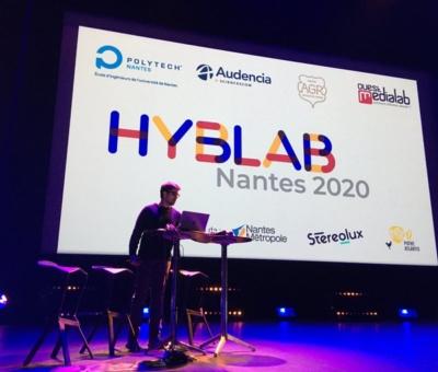 Denis, animateur de la soirée HybLab